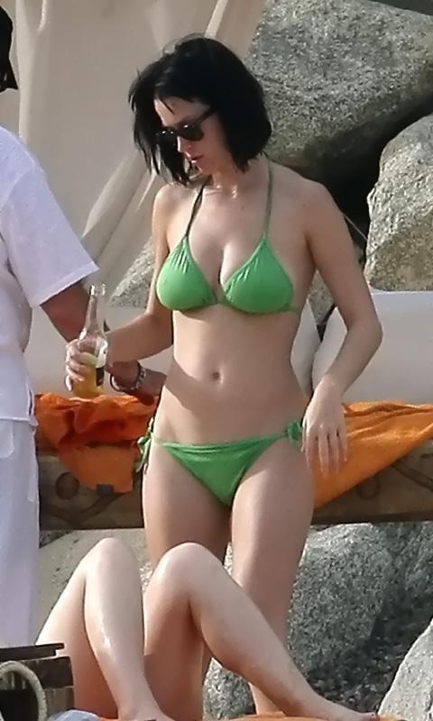 katy-perry-bikini-bahamas.jpg